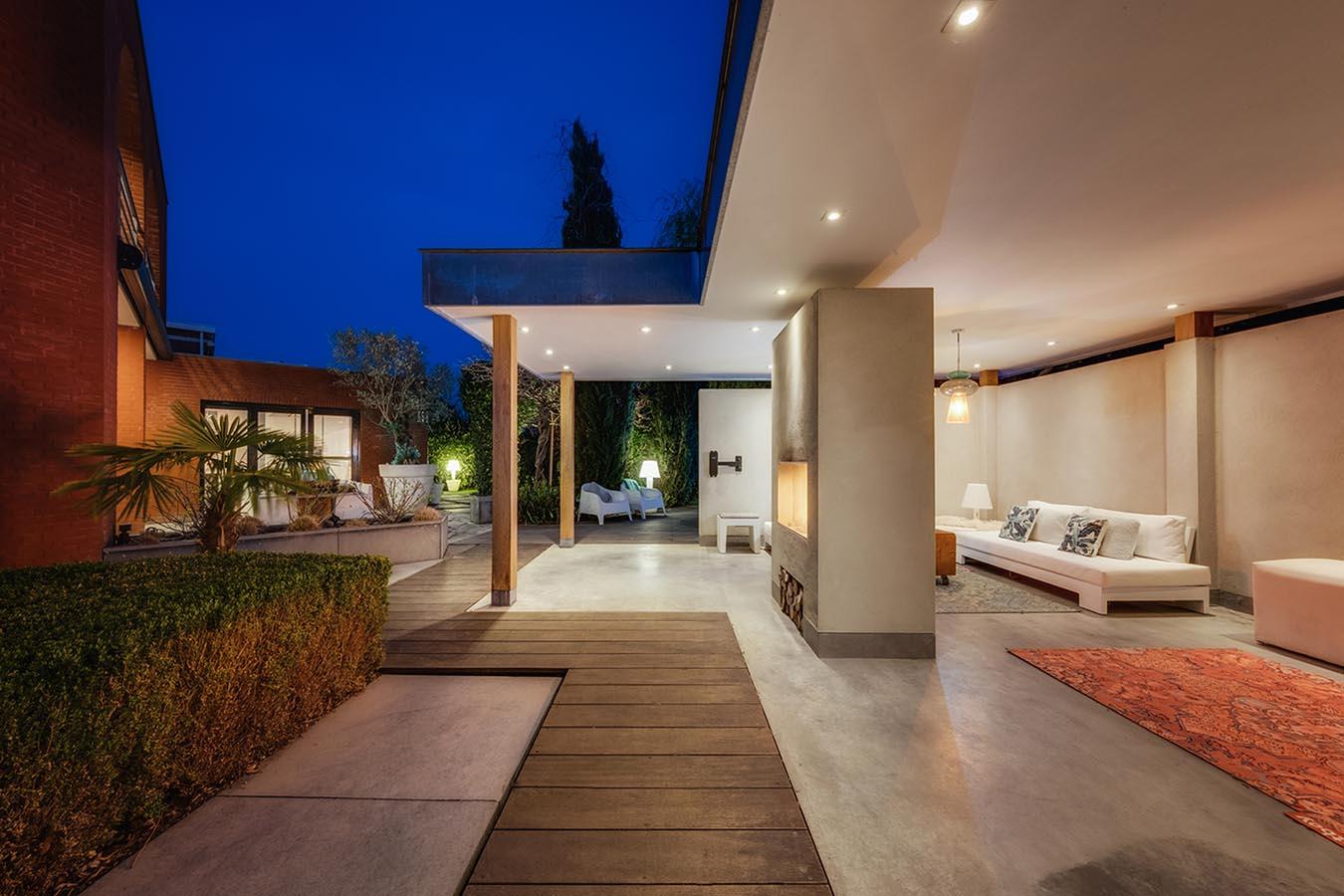 Villa nachtfoto