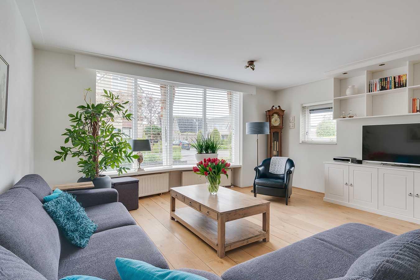Foto van woonkamer voor verkoop