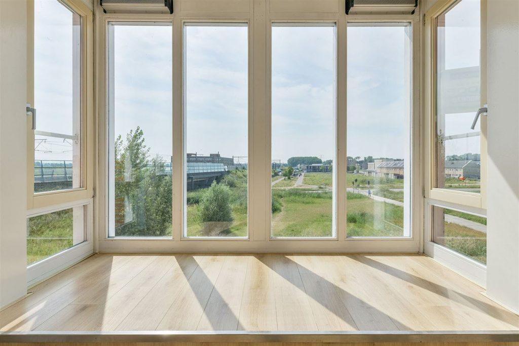 Groningen Han Nieboer uitzicht uit huis