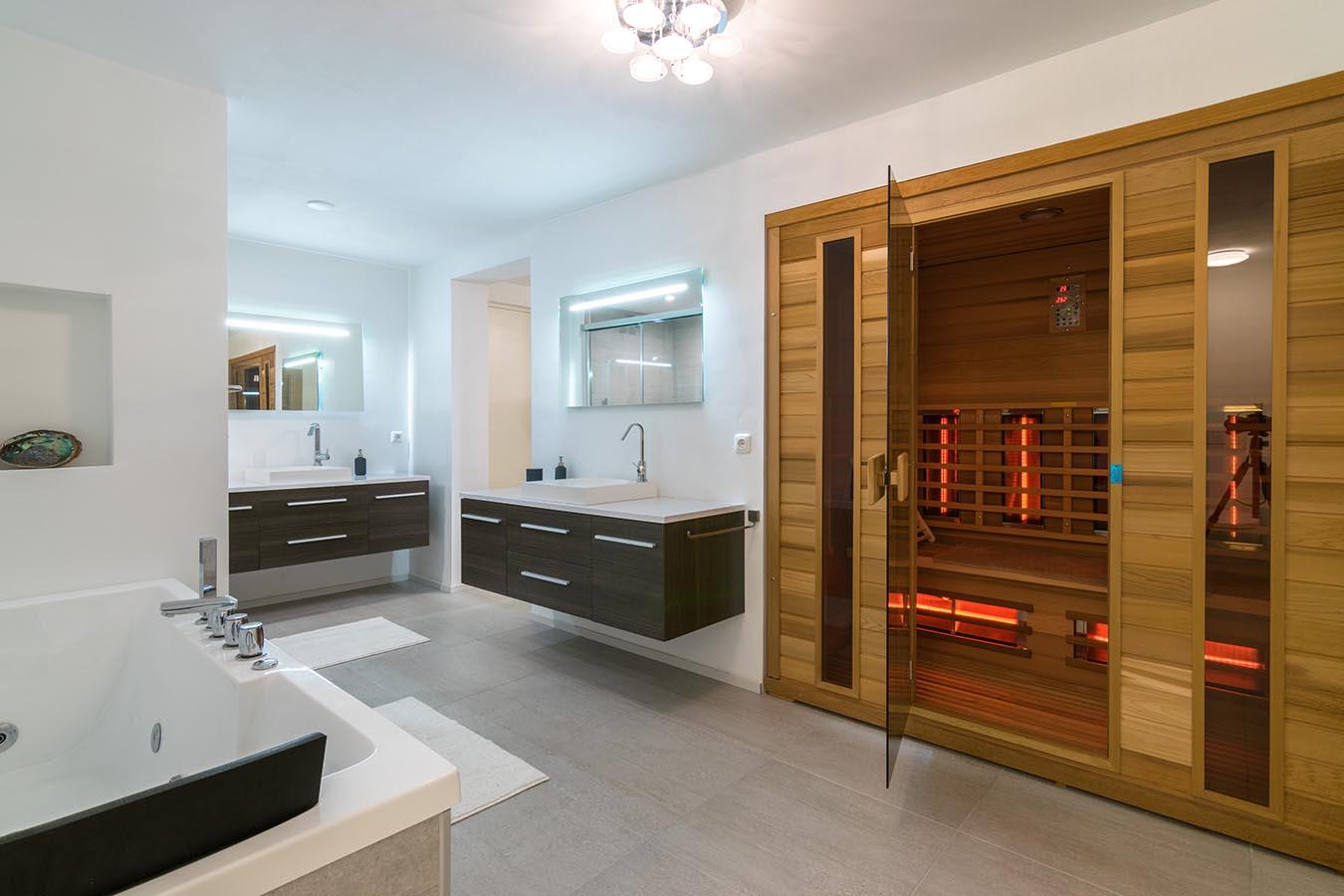 saune in een badkamer
