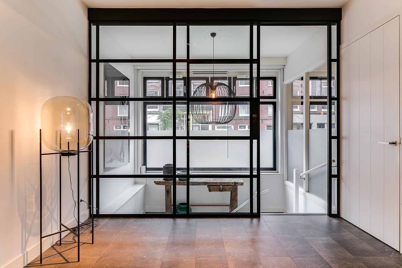 ijzeren deuren en raamkozijnen