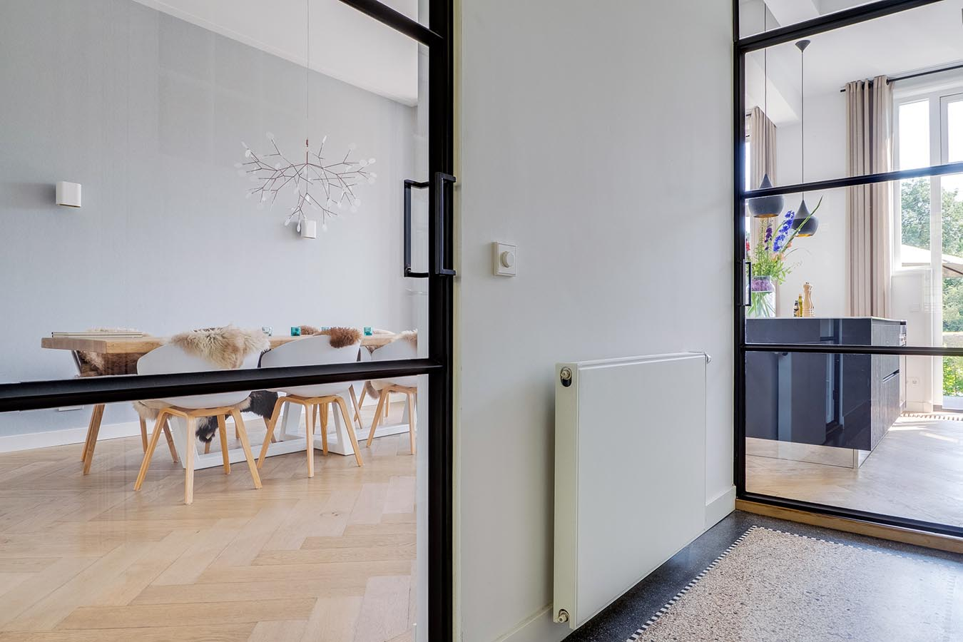 ijzeren deuren in de woning
